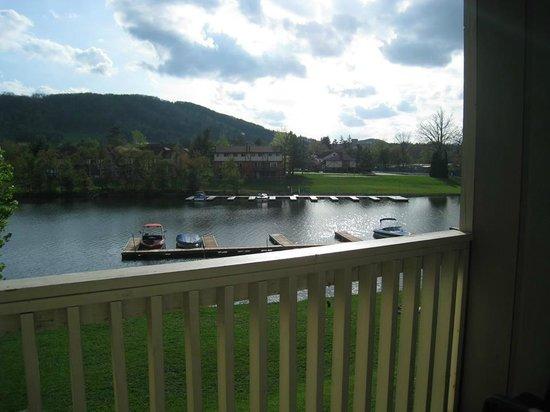LakeStar Lodge: Balcony View