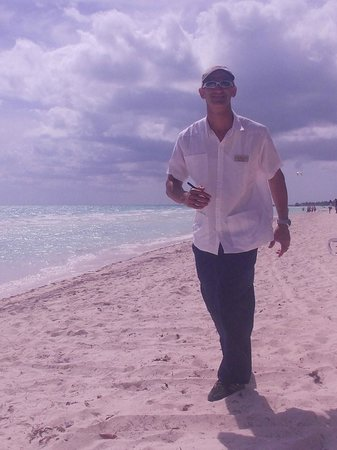 Sol Cayo Guillermo: Nelson, our friendly beach ambassador!