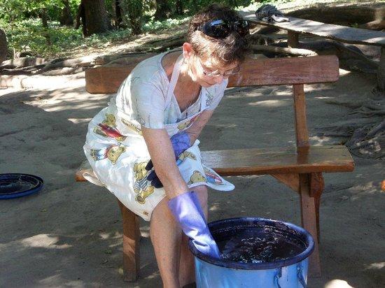 Suchitoto Adventure Outfitters: indigo dyeing Suchitoto