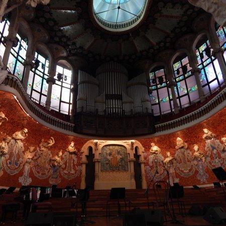 Palais de la Musique Catalane (Palau de la Musica Catalana) : Amazing Stage