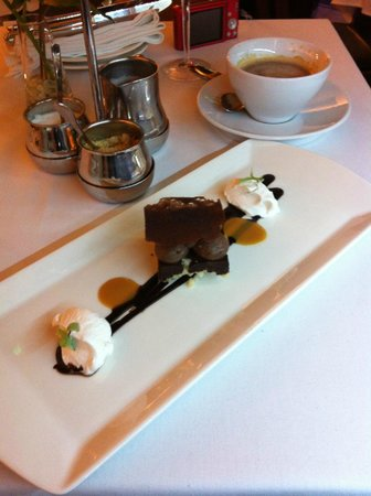 Rezkakas Bistro: One of several delectable dessert opportunities...