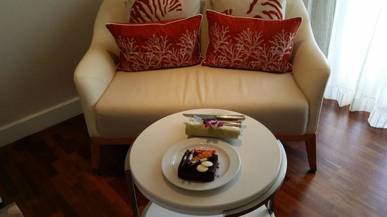 The Westin Langkawi Resort & Spa: Couch in the room