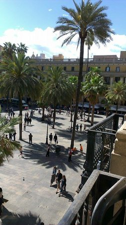 Roma Reial Hotel : view from our balcony 3