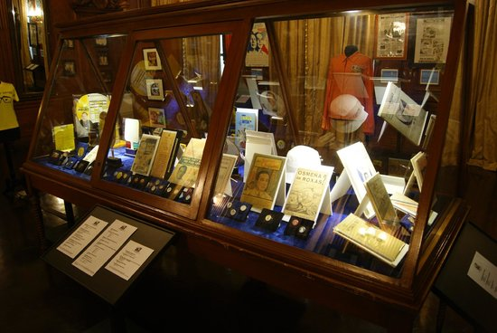 Presidential Museum and Library : Interior Malacanang Palace