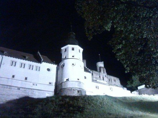 Schloss Hellenstein: Widok wieczorny