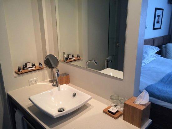 Hotel Le Bonne Entente: bathroom