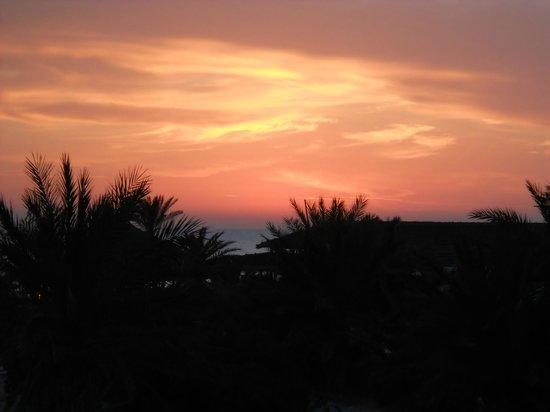 Seabel Rym Beach : lever de soleil