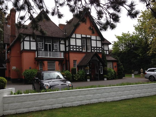 Langtry Manor Hotel: Outside