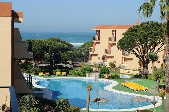 Aparthotel las Dunas: Вид на бассейн и океан