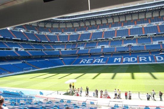Estadio Santiago Bernabéu: ベンチ座り放題