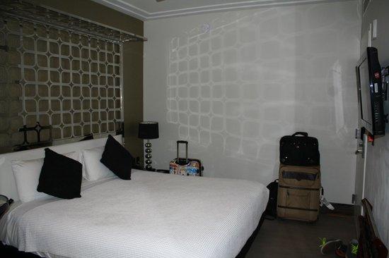 Room Mate Waldorf Towers: Neat Design