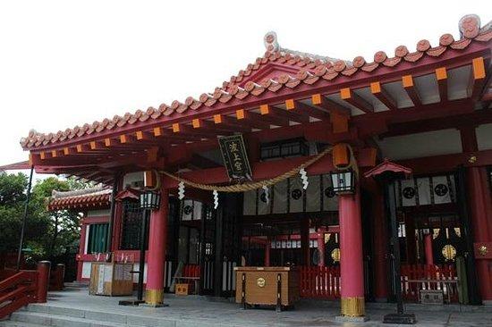 Naminoue-gu Shrine : 朝の波上宮。
