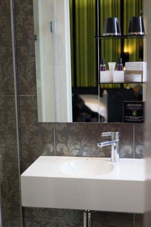 Hotel Design Sorbonne : Bathroom