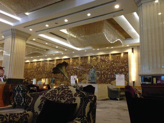 Crowne Plaza Foshan: Хорошие бутики)