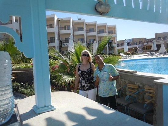Brayka Bay Reef Resort: Бармены всегда на страже наших желаний