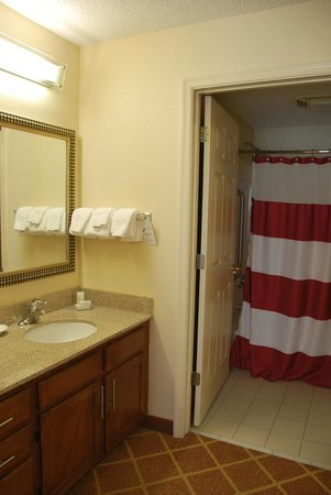 Residence Inn Richmond Northwest/Short Pump: the second bathroom