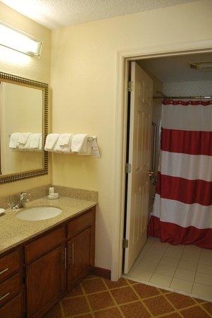Residence Inn Richmond Northwest/Short Pump : the second bathroom