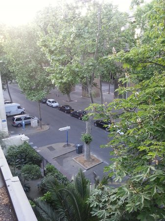 Hotel des Arceaux : View from my window