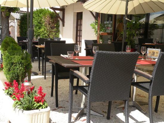 Restaurant La Goule Beneze Saint Jean D Angely