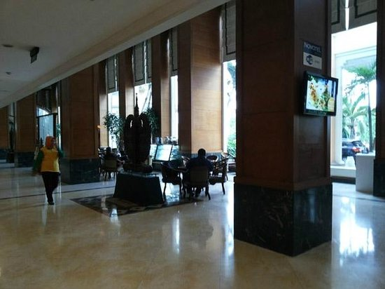Novotel Solo: Lobby hotel