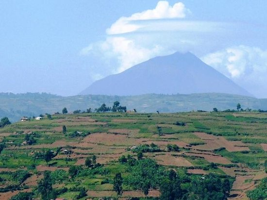 Jajama Panorama: Volcano view from hill top
