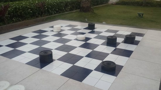 Sunscape Curacao Resort Spa & Casino: Love giant Checkers (or chess)!