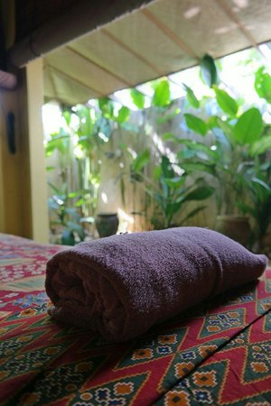 Ardour Spa: A towel in one of the massage rooms