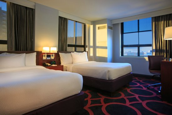 Courtyard Boston Downtown: Double Double Guestroom