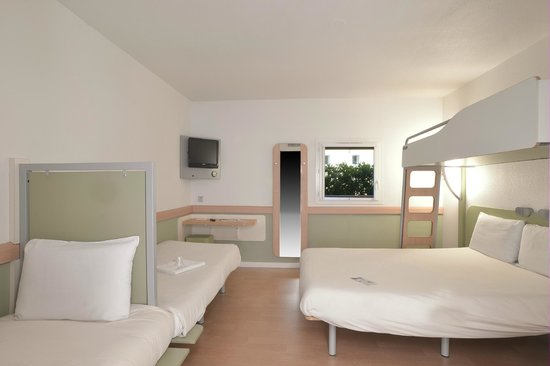 Ibis Budget Issoire : ch famille
