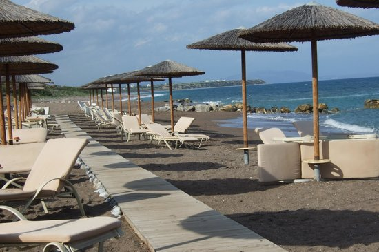 Atrium Prestige Thalasso Spa Resort and Villas: пляж отеля