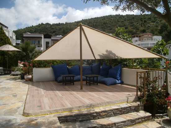 Aegean Gate Hotel: Shady Area To Chill Out In!
