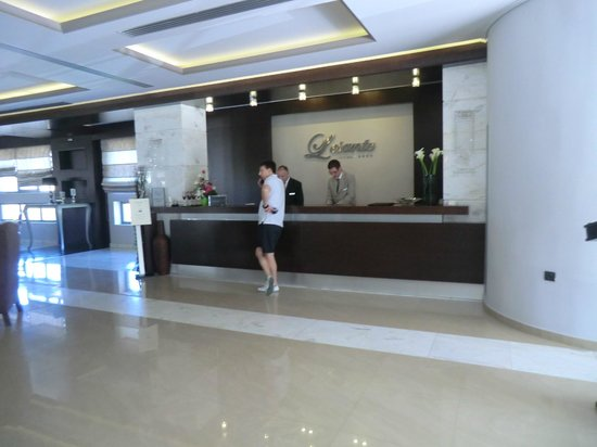 The Lesante Luxury Hotel & Spa: Reception desk