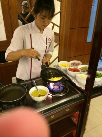 Vien Dong Hotel: Omelete feito na hora!