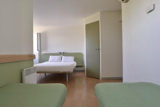 Ibis Budget Lyon sud Saint Fons A7 : chambre quadruple