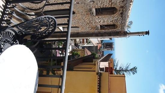 Hotel Taodomus: v small room/bathroom but good balcony plus t/coffee in room