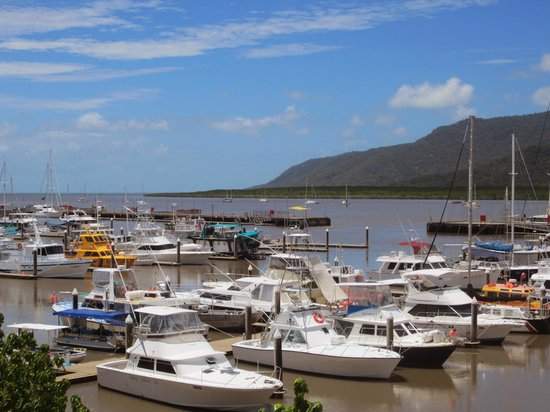 Shangri-La Hotel, The Marina, Cairns: room with a view