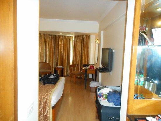 Ramee Guestline Hotel, Juhu : room