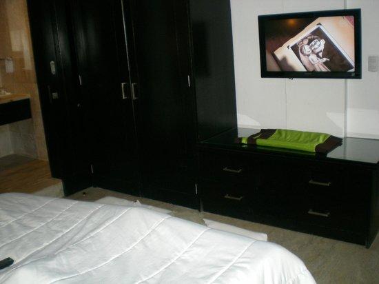 Viva Wyndham Dominicus Beach: 2nd Room 1 King bed/Suite