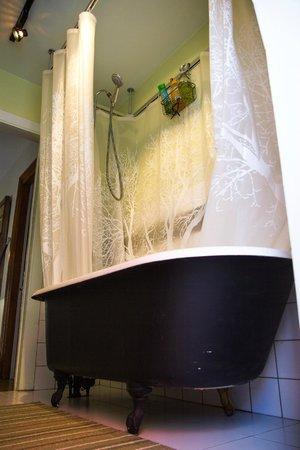 Gite Au Croissant de Lune: Salle de bain partagee