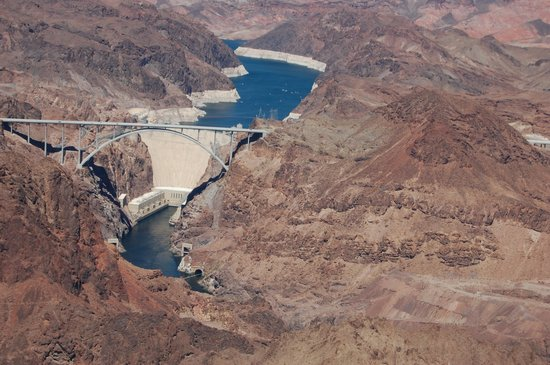 Papillon Grand Canyon Helicopters : Hoover Dam