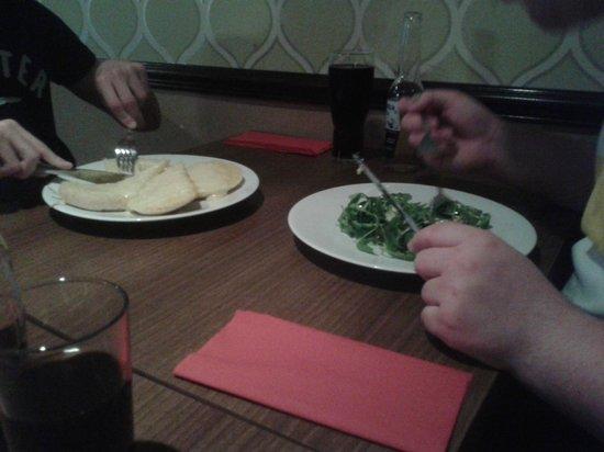 The Bridge Hotel : Ciabatta garlic bread & Gorgonzola Tart