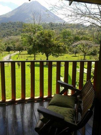 Hotel Miradas Arenal: Rustic Views