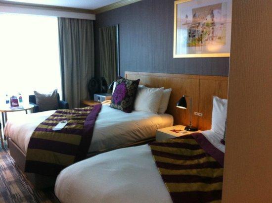 Crowne Plaza London - The City: UN HOTEL TRES BIEN SITUE AVEC UN PETIT DEJEUNE AU TOP