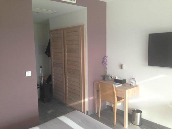 Hôtel Carré Noir : habitación 105