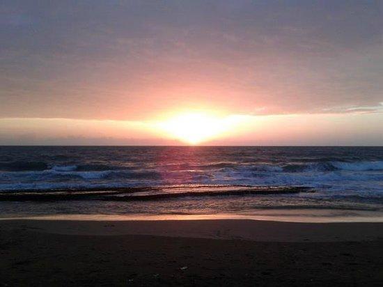 WASANA Beach Hotel & Restaurant : Sun Set
