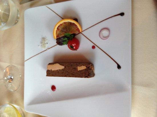 ArchiDona Restaurant : Закуска - фуа-гра с утиным ...