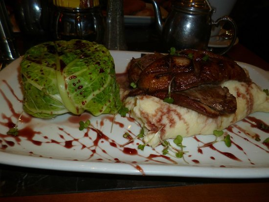 Caffe Concerto: Duck breast with cranberry sauce and mash