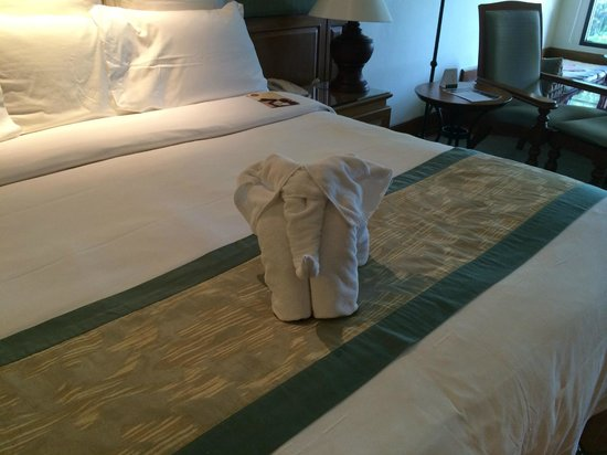 JW Marriott Phuket Resort & Spa : amazing Elephant made out of towels