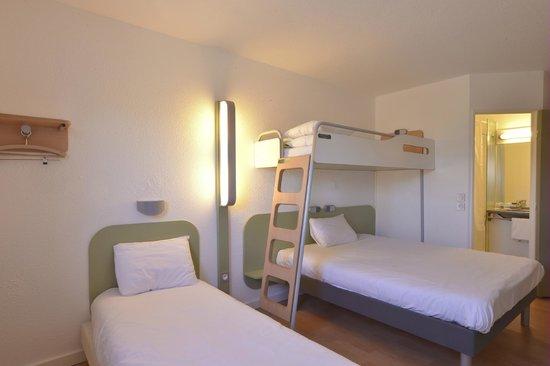 Ibis Budget Saint Etienne : chambre quadruple
