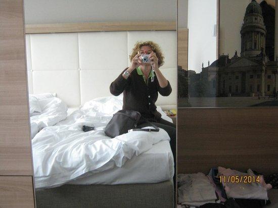 Ramada Hotel Berlin-Alexanderplatz: stanza